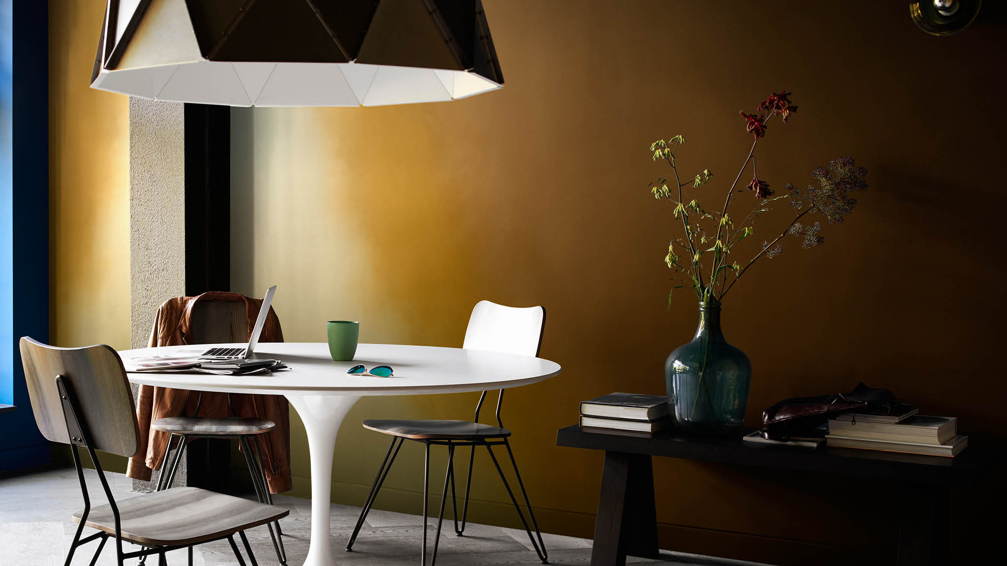 Rich brown and ochre gold have been blended with a paler shades to create an eye-catching colour flow effect. It's a great way to add drama to your dining room, particularly if only have a small space.
