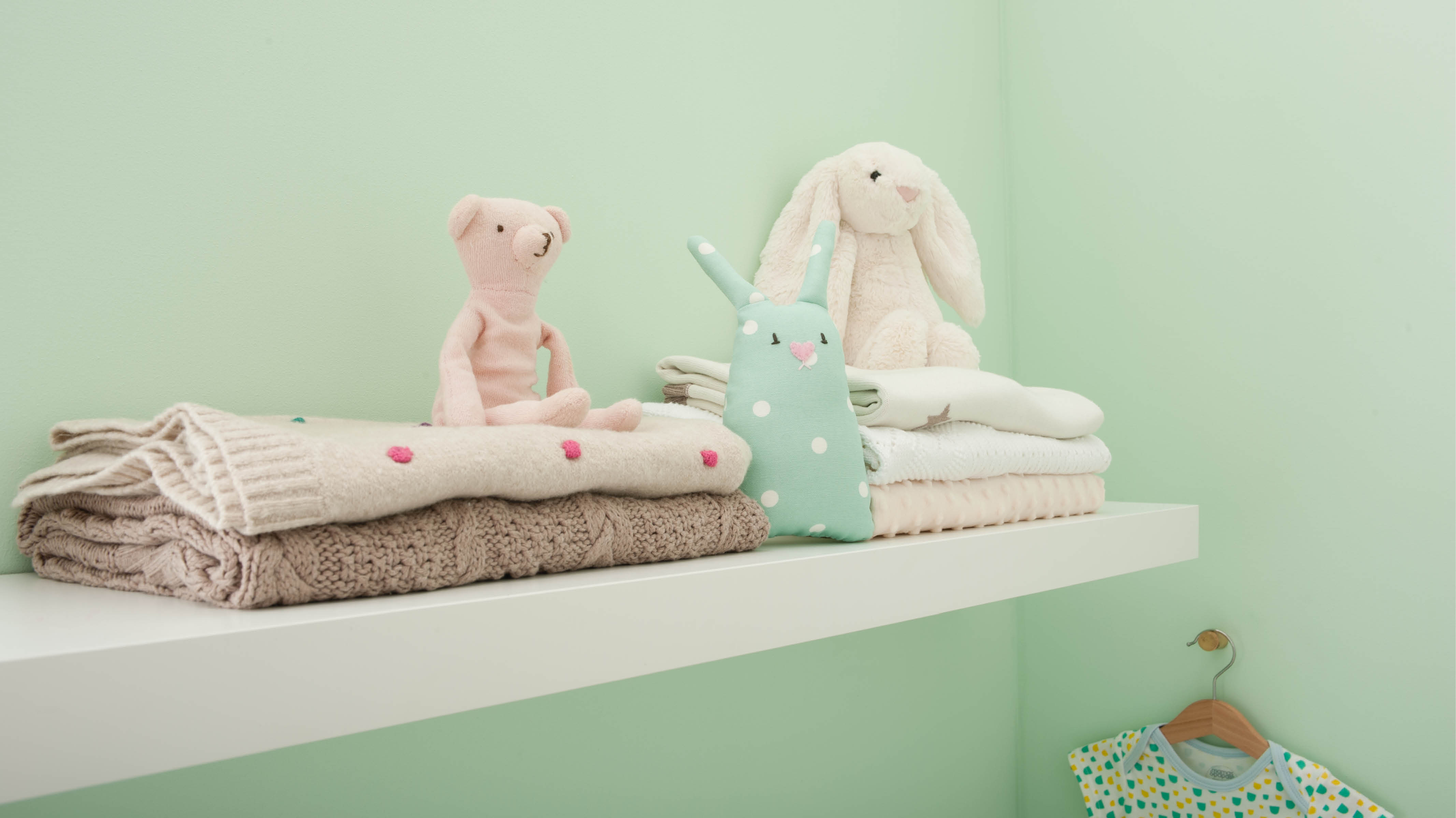 Mint green is both soft and fresh, making it ideal for a nursery scheme – it's mellow enough to let your little one doze off but invigorating enough to keep you going on those nights when they're just refusing to settle.