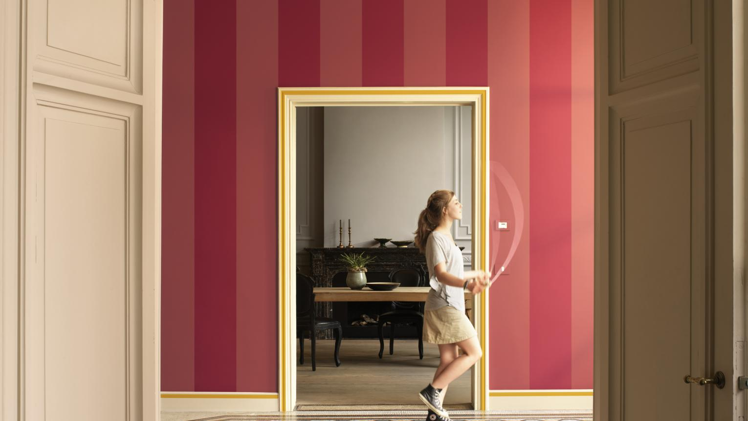 Wide stripes of raspberry pink tones feel fresh and modern.