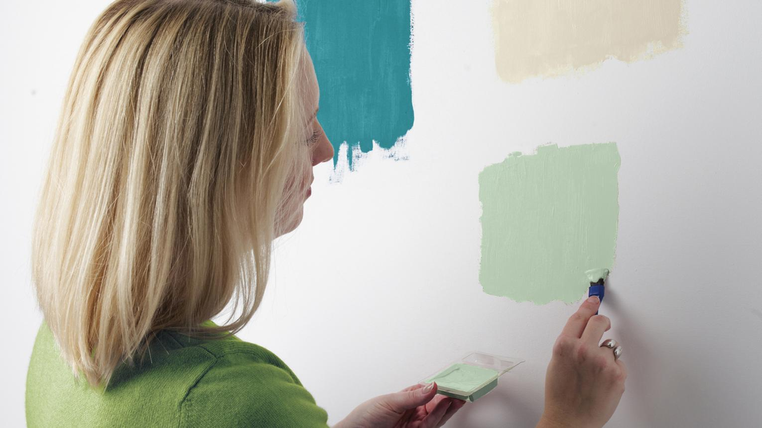 A little nervous about choosing the right paint colours? With our expert tips, you'll learn to trust your colour instincts.