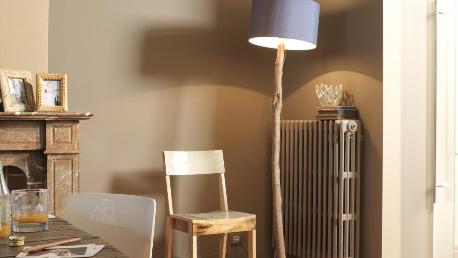 Warm shades of coffee-inspired browns set off wood tones.