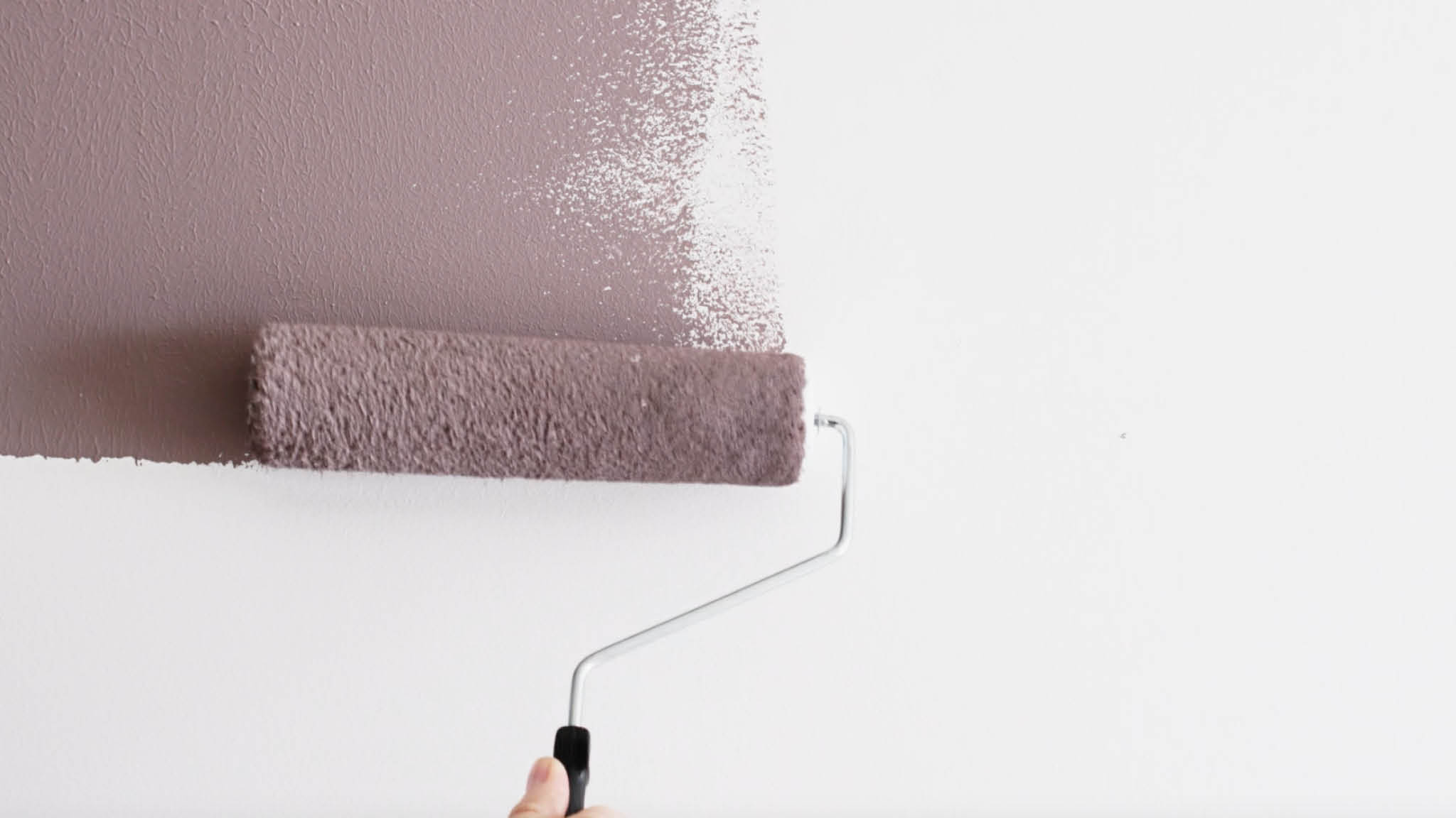 Apply your lighter colour to the wall first
